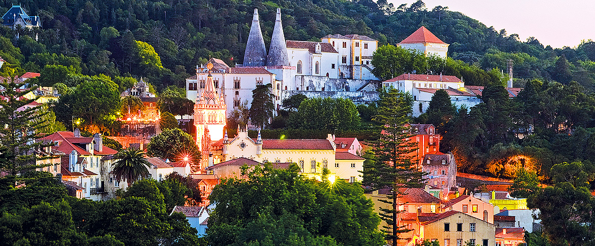 romanticism fell head over heels for sintra and at each step from the